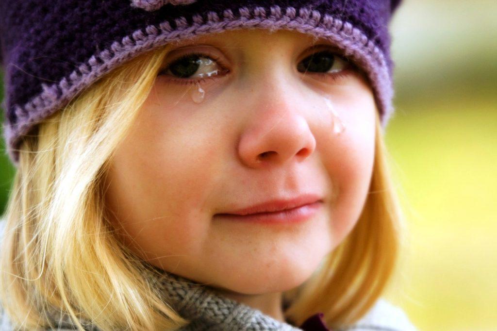 article-ledependant-enfant-pleure-pere-nole